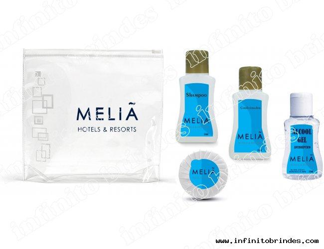 kit Amenities - Shampoo, Condicionador, Álcool Gel, Sabonete Plissado, Necessaire - Modelo INF 233K